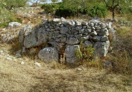 PELONGA: i tumuli più antichi ?