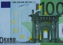 La banconota da 100 euro a firma DUISENBERG.
