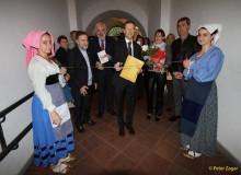 S.E. l'Ambasciatore della Svizzera Giancarlo Kessler inaugura la Mostra.