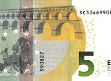 Banconota da 5 € dell'Italia con banda rosa.