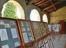 ...nello storico ampio loggiato della Badia.