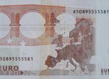 Banconota da 10 euro con cinque numeri uguali consecutivi (NC).