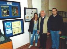 L'espositore Roberto GOTTARDI (al centro), illustre studioso e collezionista.