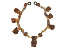 La seconda collana in oro ed ambra con in basso...