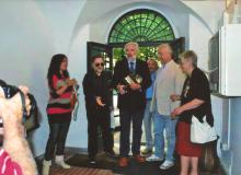 L'assessore alla Cultura Dr. Carlo Fantini (al centro) inaugura la Mostra...