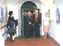 L'On.le Senatore Oreste Tofani e il Sindaco Costantino Magliocca inaugurano La Mostra.