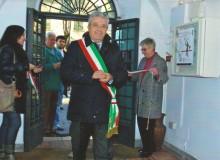 ...il Sindaco Ing. Giuseppe Morini inaugura la Mostra.