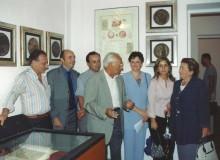 Discussioni storiche davanti alle opere di Zanelli, ...