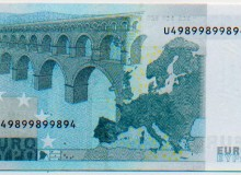"""Banconota da 5 euro con cifra """"RADAR"""", composta da soli tre numeri."""